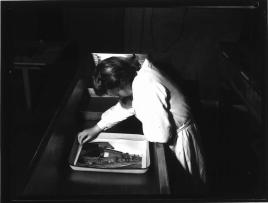 3-darkroom-women